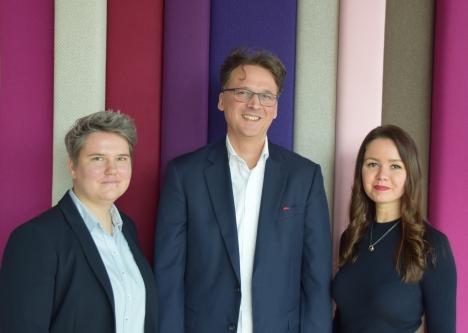 Das Führungsteam im Vertrieb der Spiegel Verlagsgruppe (v.l.): Wiebke Meeder, Christoph Hauschild und Christina Berger-Elenkov/ Foto: Wolfgang Rakel - PFV